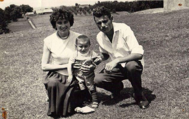 Душанић: са оцем и мајком
